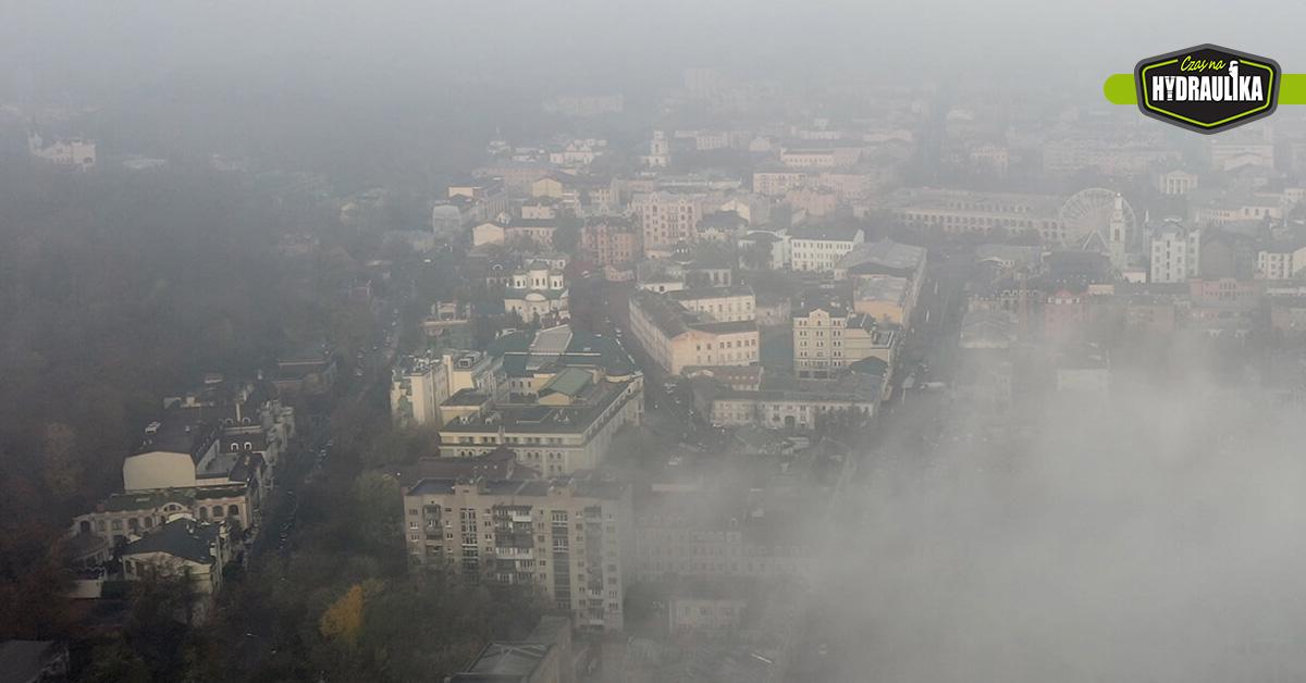 smog przysłaniający miasto